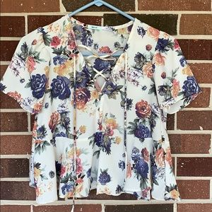 Kimchi Blue Urban Outfitter Floral top